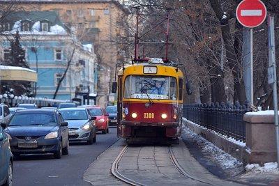 Можно ли ездить по трамвайным путям попутного и встречного направления