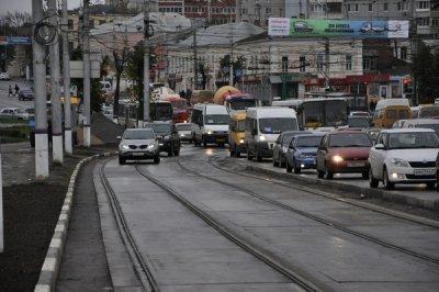 Трамвайные пути посередине дороги правила пересечения