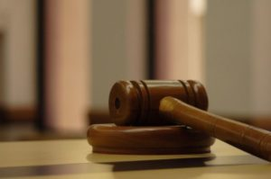 Выплачивается ли страховка ОСАГО виновнику ДТП: как установить лицо, ответственное за аварию и имеет ли оно право получить возмещение ущерба?